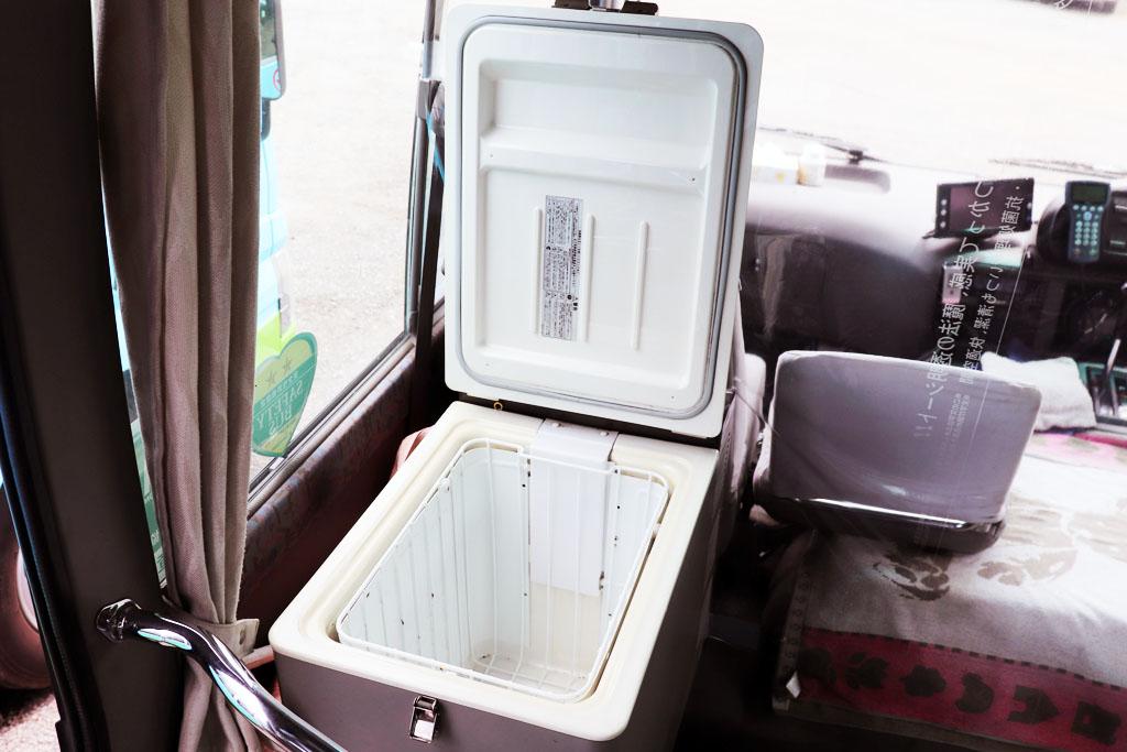 マイクロバスの冷蔵庫