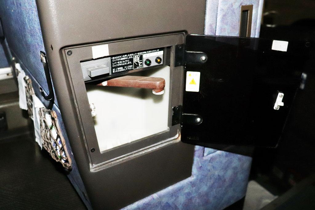 中型バスの湯沸かし器